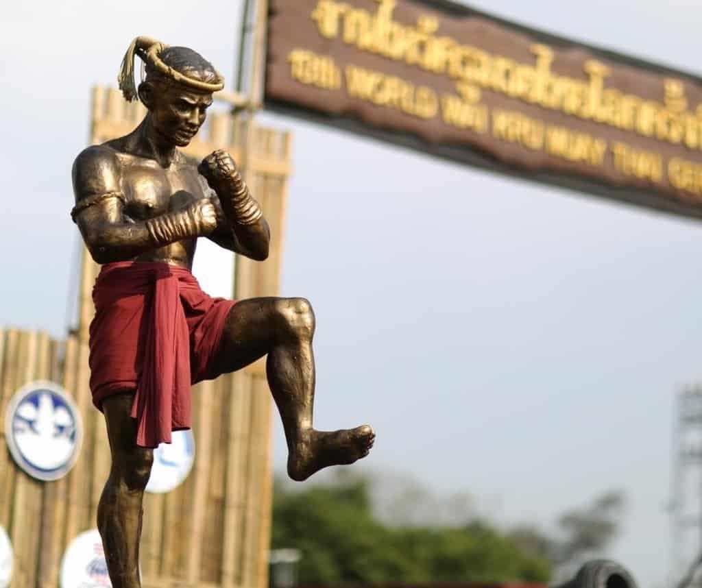 Statuette Nai Khanom Tom - World Wai Kru Muay Thai - Sparring Bear